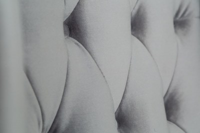 dizajnove-kreslo-chesterfield-strieborny-zamat_002