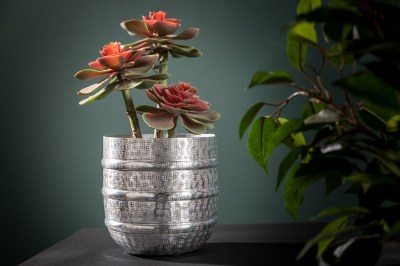 sada-dizajnovych-kvetinacov-malia-strieborna-1